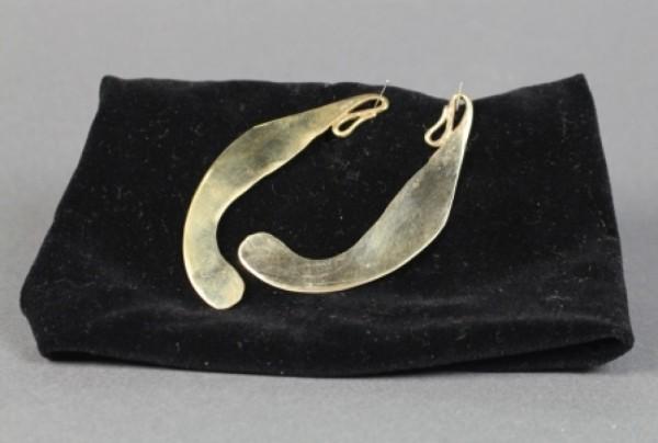Bronzezeitliches Rasiermesser geschmiedet