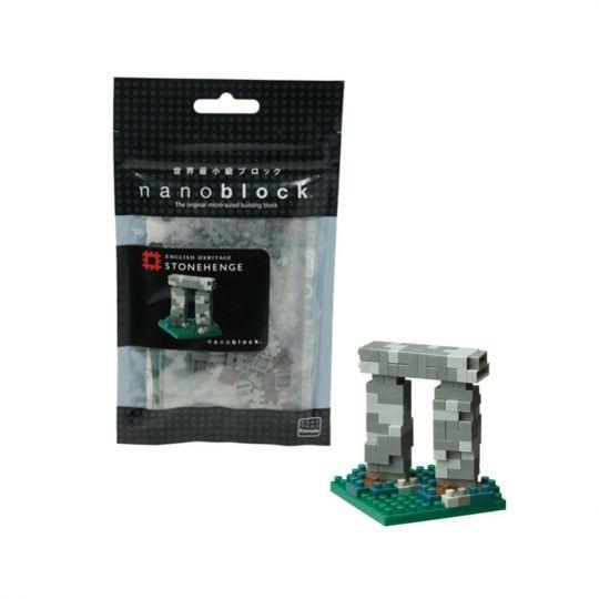 Trilith Modell aus Klemmbausteinen